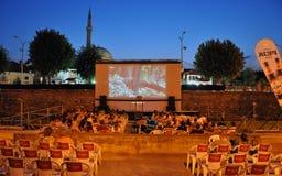 Cinema sobre o rio de Bistrica, Prizren do rio Fotos de Stock Royalty Free