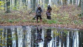 Cinemagraph - Middeleeuwse Vikingen dachten in water na stock footage