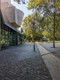 Cinematheque francaise in Parc DE Bercy, Parijs, Frankrijk stock fotografie