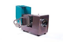 Cinematografia-projetor retro no fundo branco imagens de stock