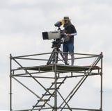Cineoperatore che lavora all'armatura d'acciaio Fotografia Stock Libera da Diritti
