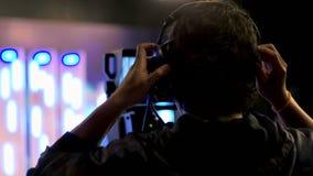 Cineoperatore della televisione video d archivio