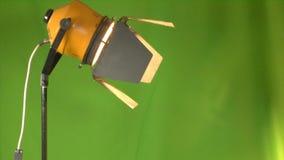 Cineoperatore in studio stock footage