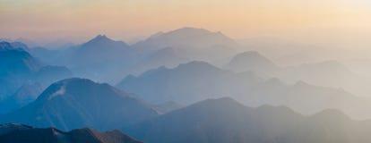 Cinese mountains_1 Fotografie Stock