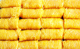 Cinghia di foi di chiamata del dessert del filo dei rossi d'uovo dell'oro in tailandese nel pacchetto Fotografie Stock Libere da Diritti