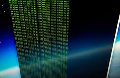 Cinglement de site utilisant la coquille de coup d'UNIX Ligne verte i de code aux commandes photos libres de droits