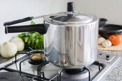 Ciśnieniowa kuchenka Obraz Royalty Free