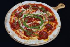 ?cinku podobie?stwo ?cie?ki odseparowana pizza pepperoni zdjęcie stock