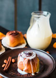 Cinnabon cinnamon buns with cream and cheese sauce Stock Photography