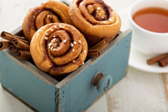 Cinnamon buns for breakfast Royalty Free Stock Photography