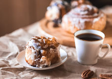 Cinnamon cake with coffee Royalty Free Stock Images
