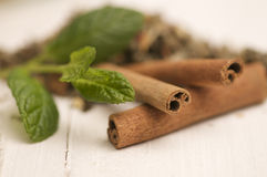 Cinnamon an mint close-up Royalty Free Stock Photography