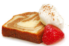 Cinnamon pound cake with strawberry Stock Photography