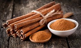 Free Cinnamon Powder Stock Images - 100335564