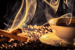 Cinnamon scent of roasted coffee Royalty Free Stock Photos