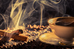Cinnamon scent and roasted coffee Royalty Free Stock Photography