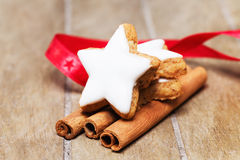 Cinnamon star on cinnamon sticks Royalty Free Stock Images