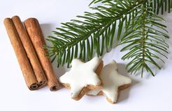 Cinnamon stars and cinnamon sticks Royalty Free Stock Images