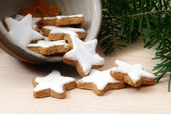 Cinnamon stars, traditional Christmas cookies in a ceramic  bowl Stock Photos