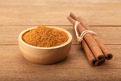 Cinnamon stick and cinnamon powder Stock Photos