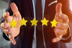 Cinq étoiles jaunes sur une interface futuriste - rendu 3d Photos libres de droits