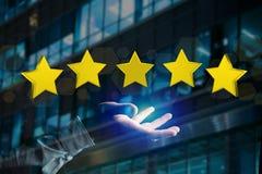 Cinq étoiles jaunes sur une interface futuriste - rendu 3d Images stock