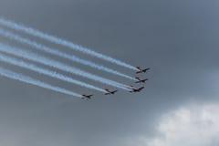 Cinq aéronefs dans le ciel Image libre de droits