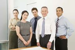 Cinq collègues d'affaires photo stock