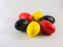 Cinq colorés des eegs photographie stock libre de droits