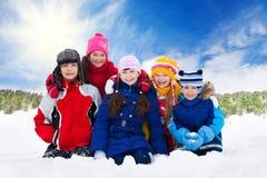 Cinq enfants photos stock