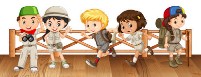 Cinq enfants dans l'équipement de safari sur le pont illustration de vecteur