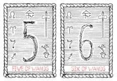 Cinq et six de baguettes magiques La carte de tarot Images libres de droits