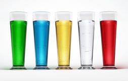 Cinq glaces grandes pleines des liquides multicolores. Images libres de droits