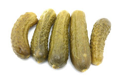 Cinq pickles à l'aneth photo stock