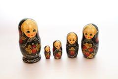 Cinq poupées de babushka images libres de droits
