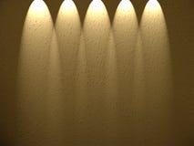 Cinq projecteurs vers le bas. Photographie stock