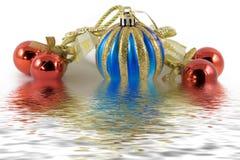 Cinq sphères de Noël Photographie stock