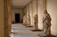 Cinq tailles dans la cour intérieure de la villa Pisani chez Stra qui est une ville dans la province de Venise en Vénétie (Italie Images libres de droits