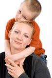 Cinque anni del ragazzo e sua madre Fotografie Stock Libere da Diritti
