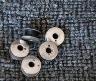 Bobine antiche della macchina per cucire Immagine Stock