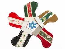 Cinque calzini di Natale nel cerchio fotografia stock libera da diritti