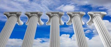 Cinque colonne di marmo di islam o giustizia e punti sul fondo del cielo blu illustrazione 3D Fotografie Stock Libere da Diritti