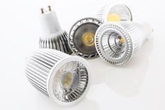 Cinque lampade di GU10 LED con differenti progettazioni del raffreddamento Fotografia Stock