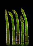 Cinque lance dell'asparago Immagini Stock Libere da Diritti