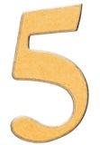 5, cinque, numero di legno si sono combinati con l'inserzione gialla, isolata sopra Fotografia Stock