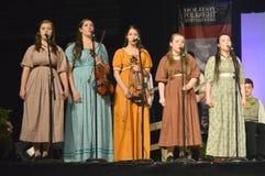 Cinque ragazze che cantano Immagini Stock