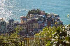 Cinque Terra Italien by vid havet Royaltyfria Foton