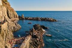 Cinque Terre, Italia - 15 agosto 2017: Bella vista del mare adriatico Fotografia Stock Libera da Diritti