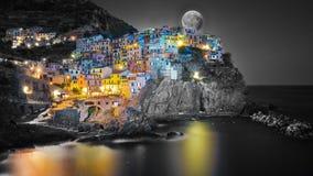 Cinque Terre Manarola dans la nuit Image libre de droits