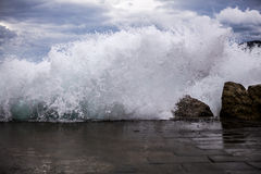 Cinque Terre, vagues Photos stock